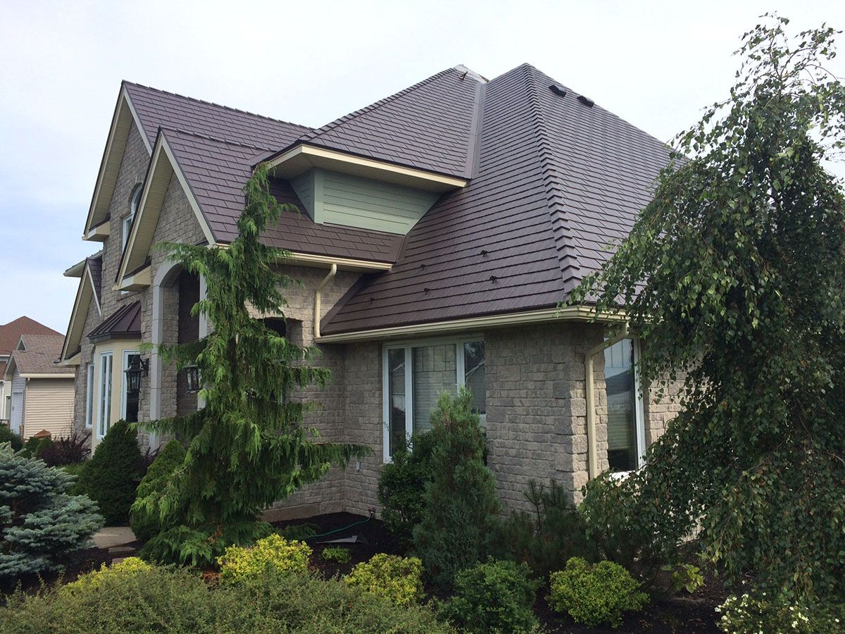 interlock-cedar-shingle-metal-roof-tudor-brown-saint-john-nb-1