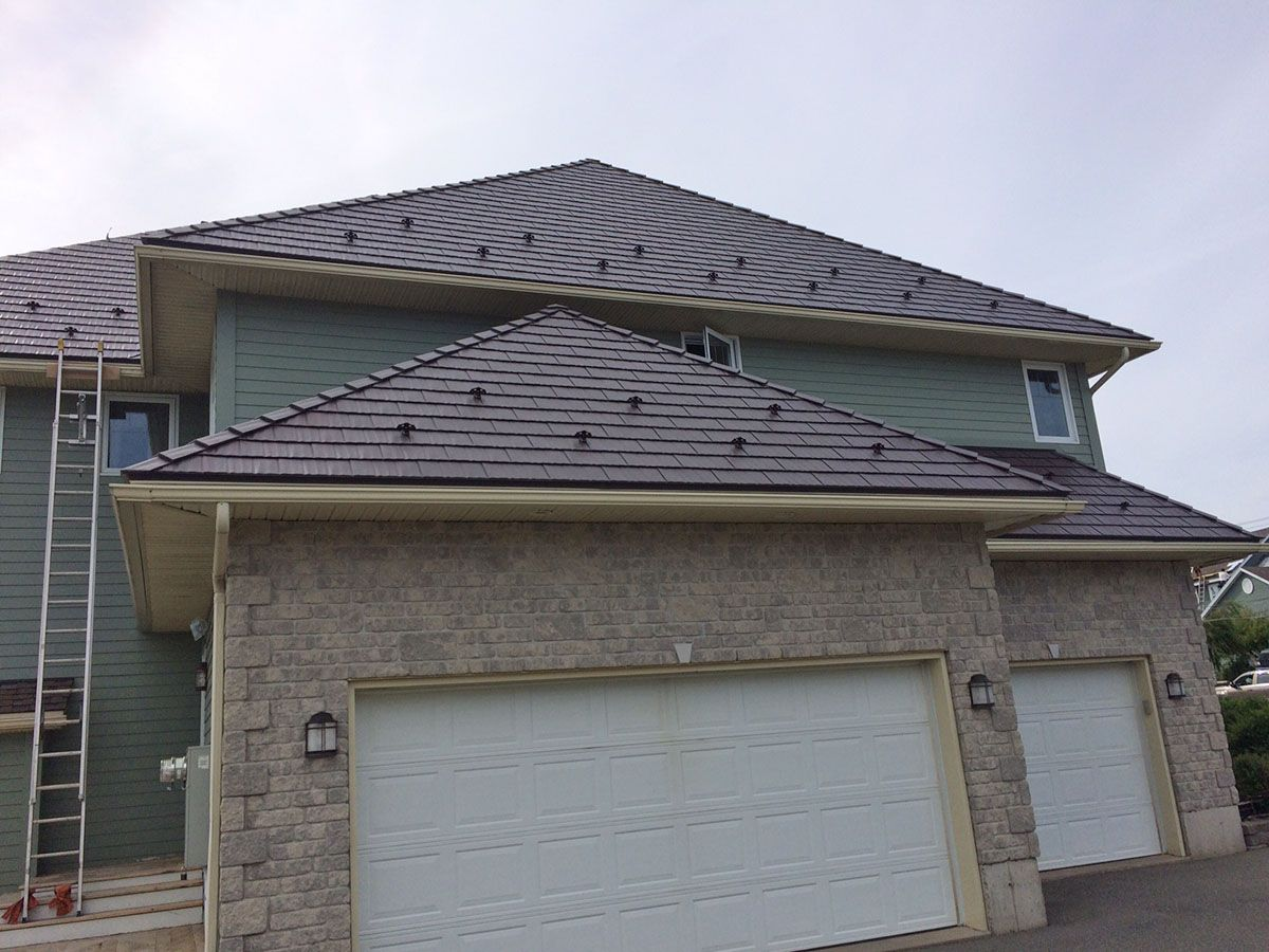 interlock-cedar-shingle-metal-roof-tudor-brown-saint-john-nb-4